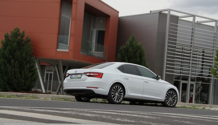 ŠKODA Superb 2,0 TDI DSG Laurin&Klement – IMG_7348