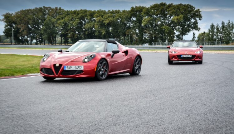 Alfa Romeo 4C Spider vs Mazda MX-5 006