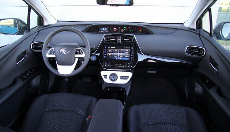 TOYOTA Prius Plug-in Hybrid IMG_0867