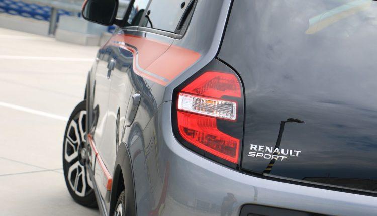 Renault Twingo GT vs Abarth 595 Competizione