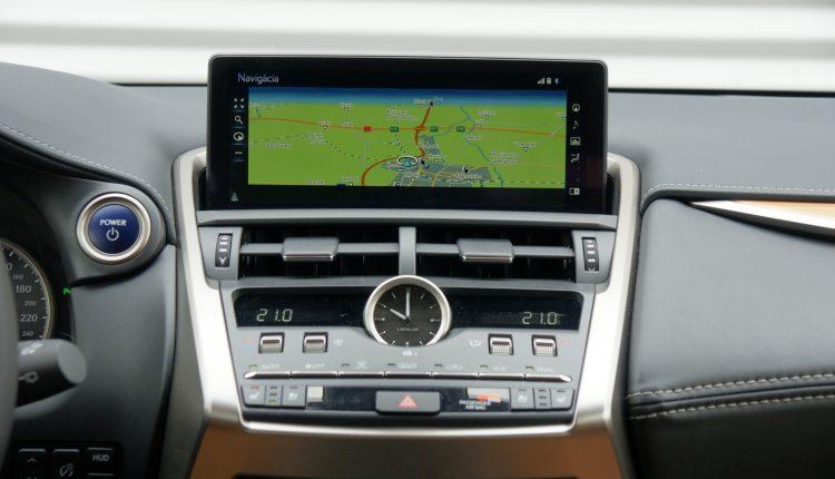 Test Lexus NX 300h