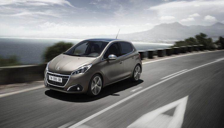 Peugeot-208_000