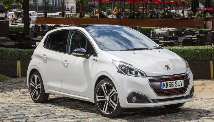 Peugeot-208_24