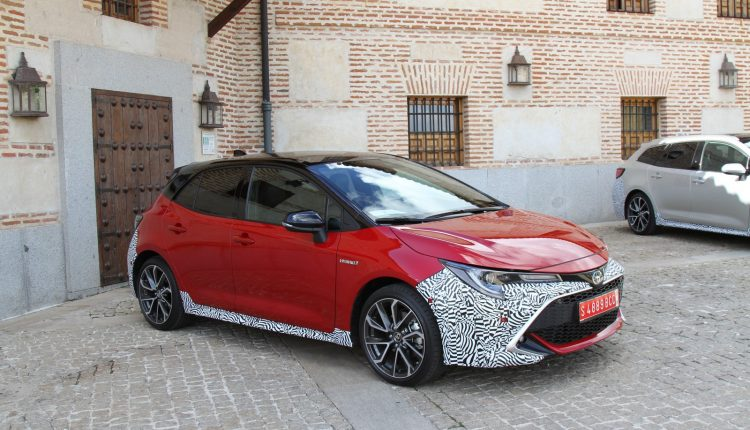 TOYOTA Corolla 2,0 Hybrid