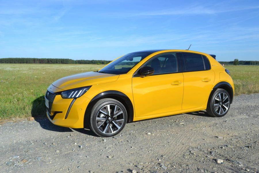 2020_10_Peugeot 208