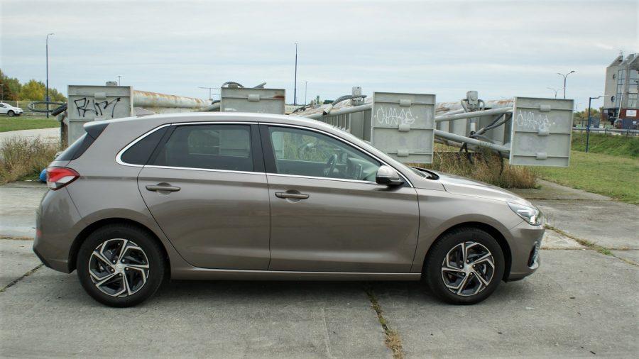 2020_Hyundai_i30_AM_11