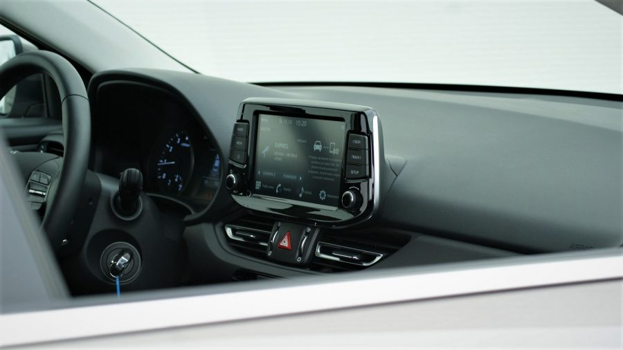 2020_Hyundai_i30_AM_12
