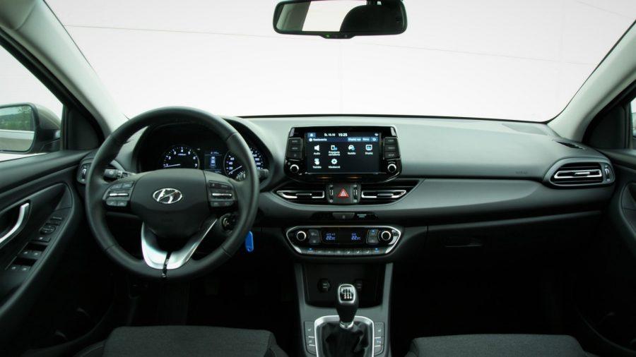 2020_Hyundai_i30_AM_13