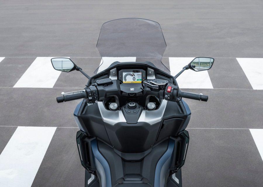 Honda Forza 750 0020