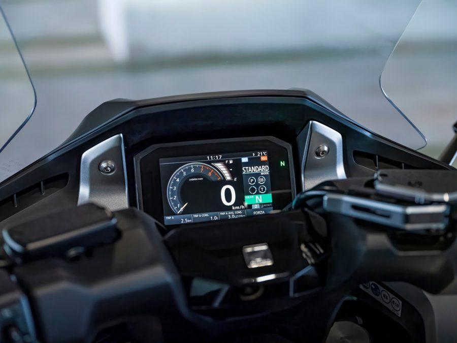 Honda Forza 750 0023