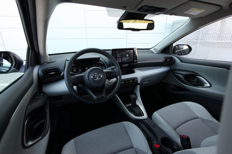 TOYOTA Yaris 1,5 Dynamic Force 125 k Multidrive S Selection Elegant 0022