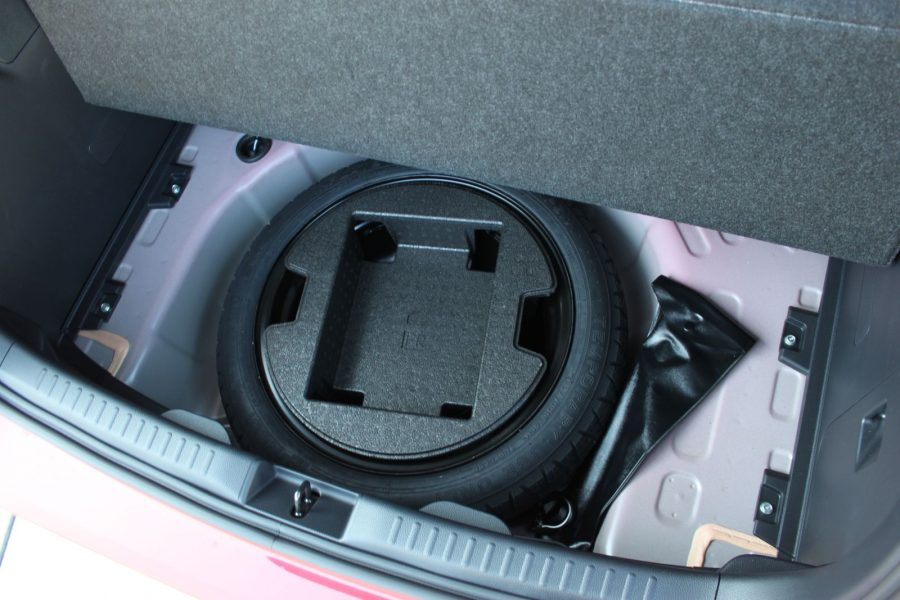 2020 Toyota Yaris 1,5 Hybrid Dynamic Force, 116 k, e-CVT, Premiere Edition AM0143