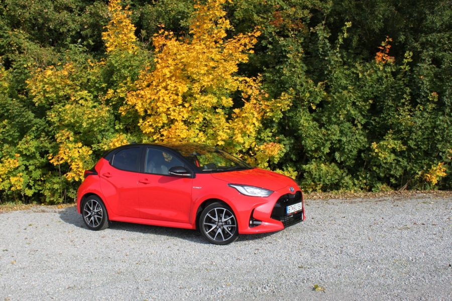 2020 Toyota Yaris 1,5 Hybrid Dynamic Force, 116 k, e-CVT, Premiere Edition AM020