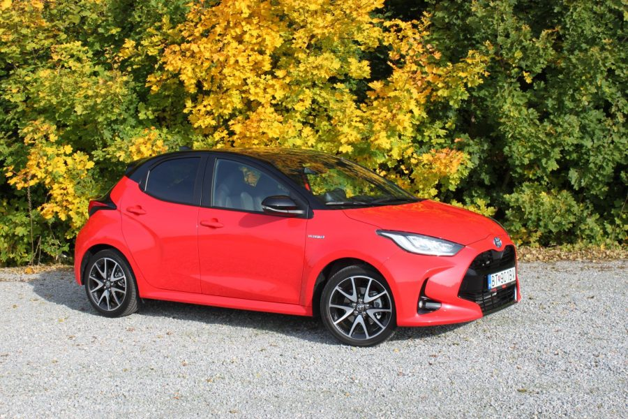 2020 Toyota Yaris 1,5 Hybrid Dynamic Force, 116 k, e-CVT, Premiere Edition AM022