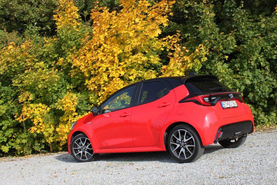 2020 Toyota Yaris 1,5 Hybrid Dynamic Force, 116 k, e-CVT, Premiere Edition AM03