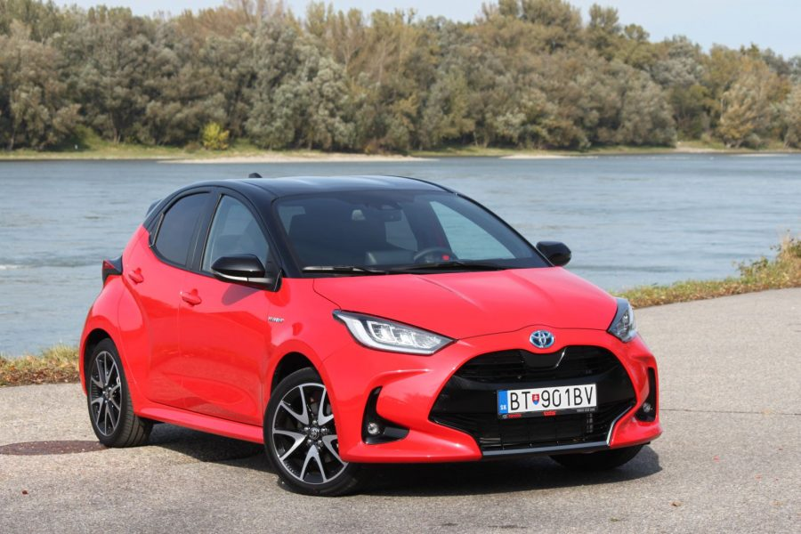 2020 Toyota Yaris 1,5 Hybrid Dynamic Force, 116 k, e-CVT, Premiere Edition AM032