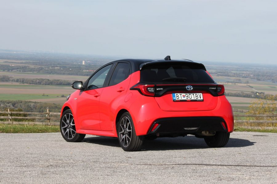 2020 Toyota Yaris 1,5 Hybrid Dynamic Force, 116 k, e-CVT, Premiere Edition AM051
