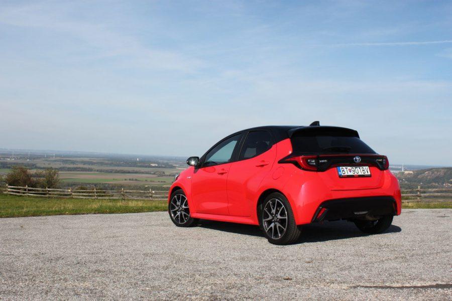 2020 Toyota Yaris 1,5 Hybrid Dynamic Force, 116 k, e-CVT, Premiere Edition AM054