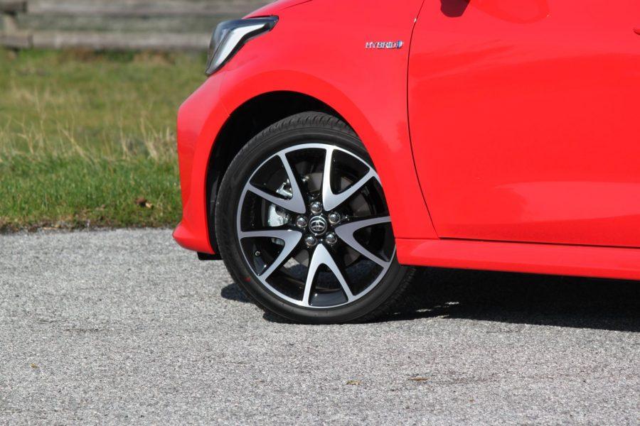 2020 Toyota Yaris 1,5 Hybrid Dynamic Force, 116 k, e-CVT, Premiere Edition AM063