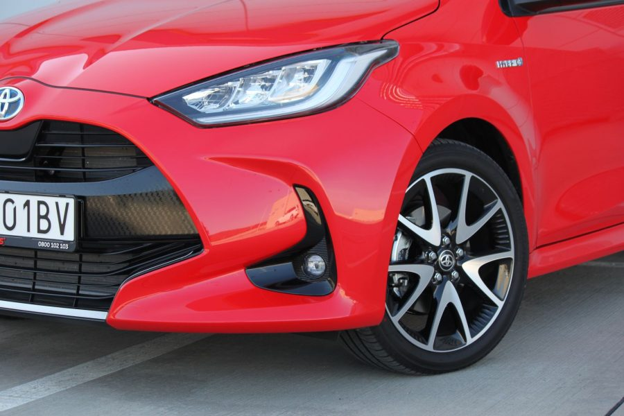 2020 Toyota Yaris 1,5 Hybrid Dynamic Force, 116 k, e-CVT, Premiere Edition AM098